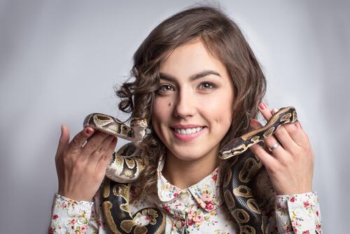 Tener serpiente en casa