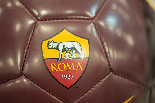 Animales en escudos de fútbol: AS Roma