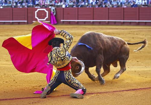 Capote en toros