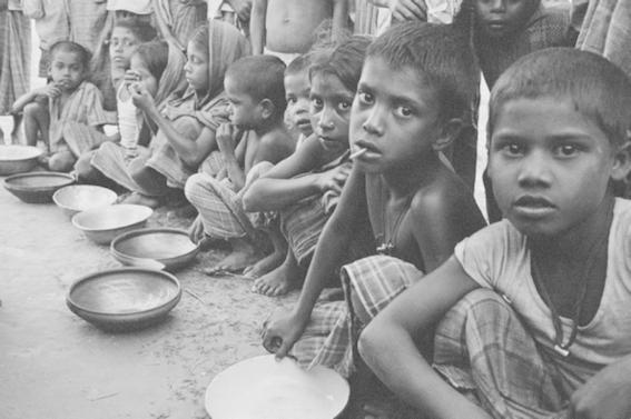 Niños con hambruna
