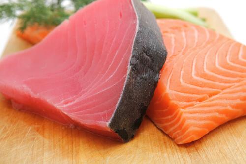 El pescado azul es fuente de omega-3.