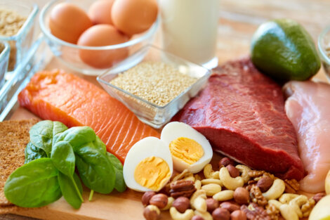 Una serie de alimentos sanos genéricos.